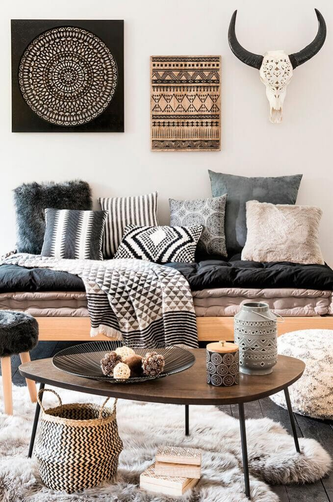 Asymmetric Approach coffee table decor ideas