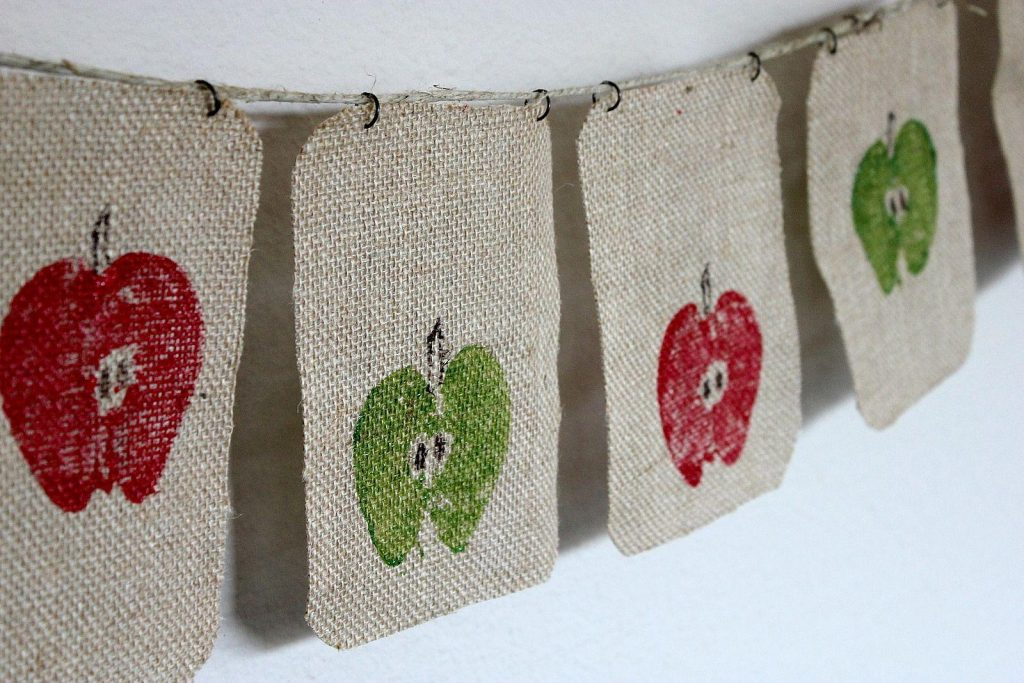 Apple Banner Fall Crafts for Kids