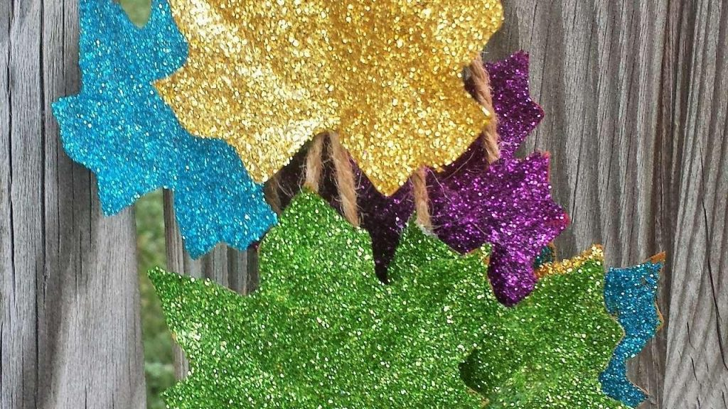 Glittered Leaves Fall Crafts for Kids
