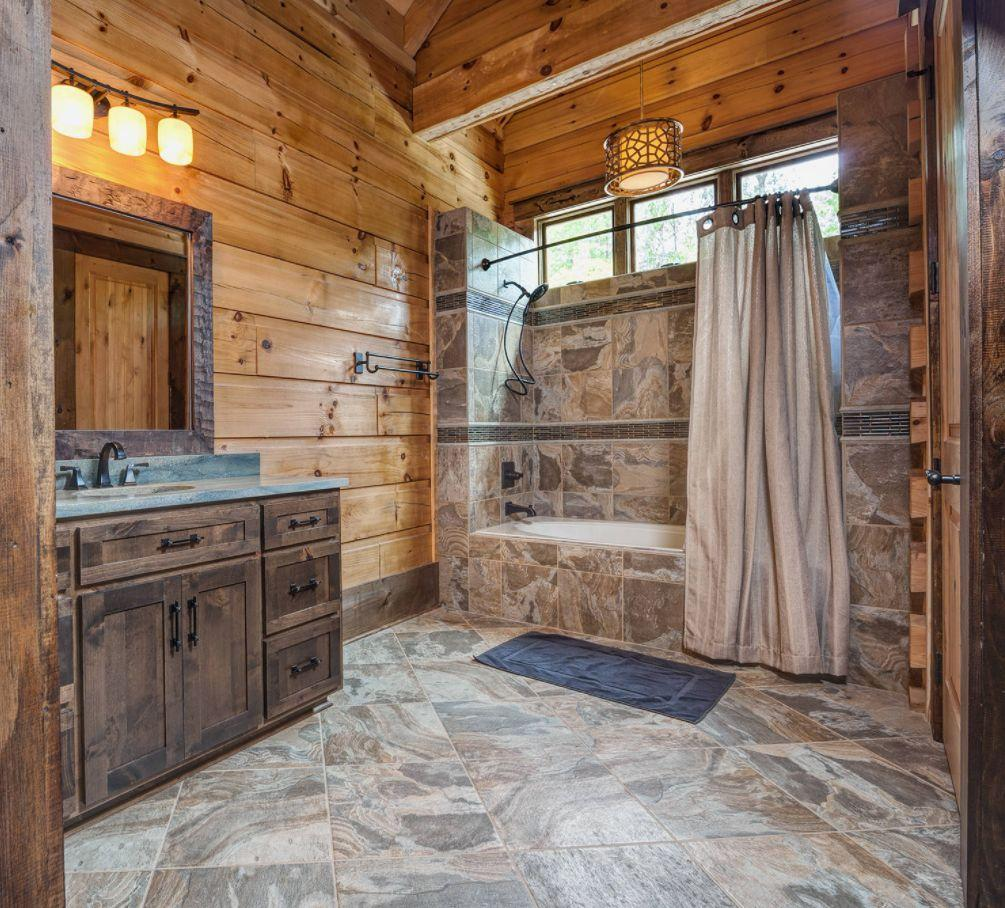 Rustic Doorless Walk-in Shower Ideas