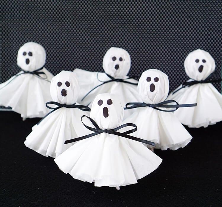 Halloween Crafts for Preschoolers lollipop ghost