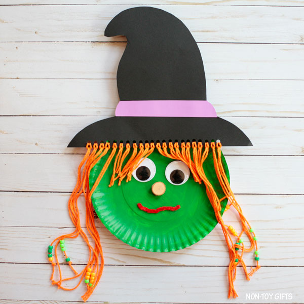 Halloween Crafts for Preschoolers paper plate witch
